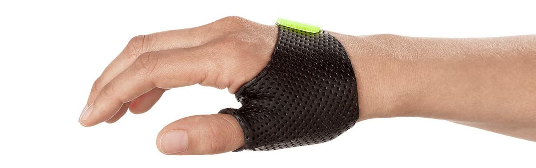 Short-Thumb-Opponens-orthosis-in-Orfilight-black-e1580291560217